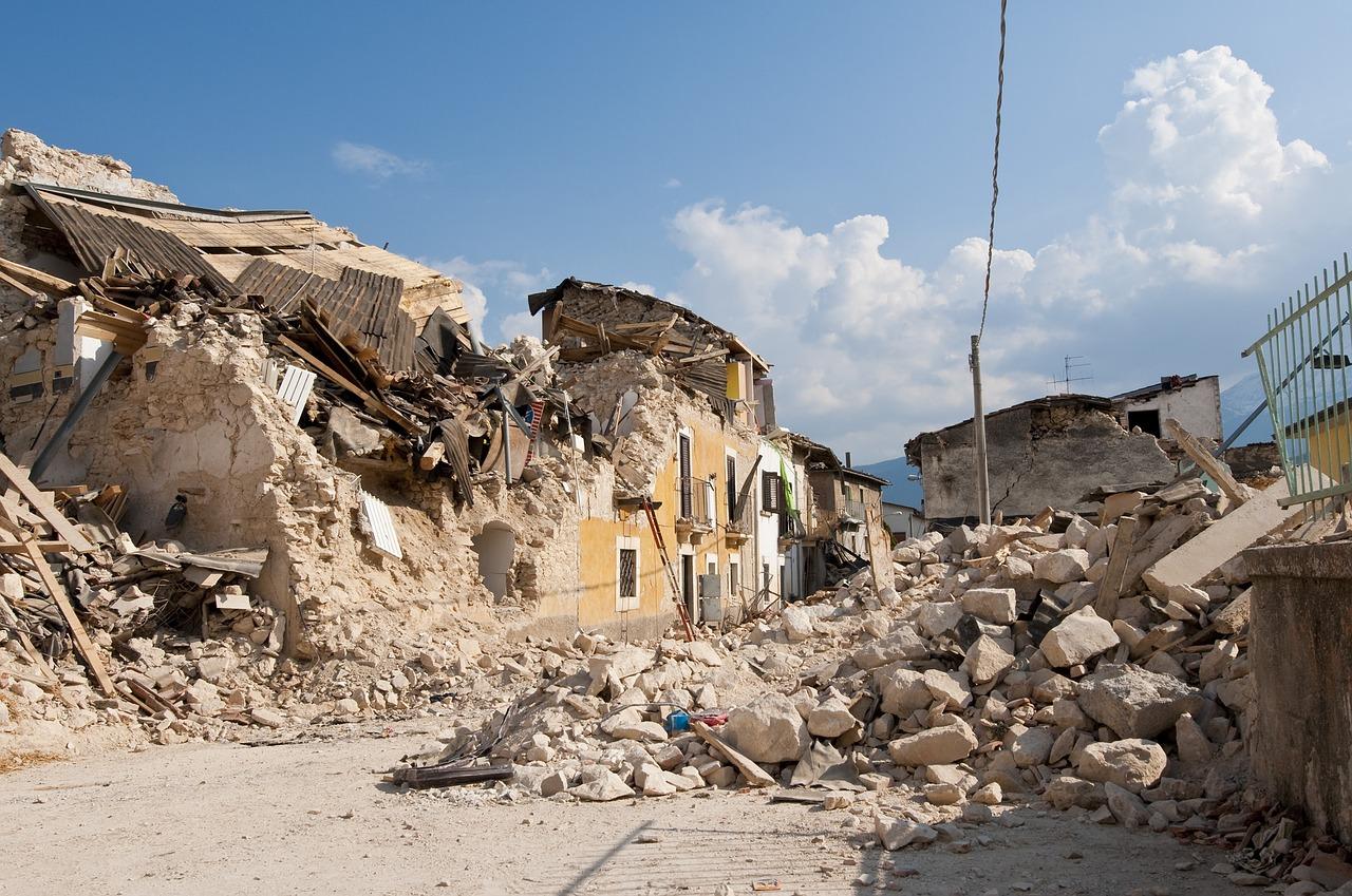 令和2年大地震の確率は80%今後の備え 震災売れ筋グッズ保存版!